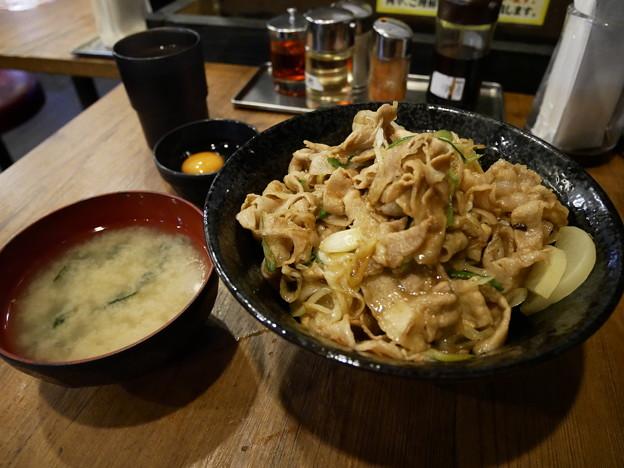 Photos: スタ丼 肉増し