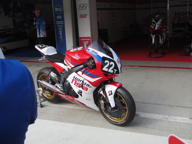 写真: 102 2014 Honda Team Asia ジョシュ ホック CBR1000RR ザムリ ババ 鈴鹿8耐 ディマス エッキー プラタマ SUZUKA8HOURS IMG_0412