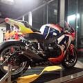 写真: 2014 鈴鹿8耐 Honda DREAM RT SAKURAI ジェイミー スタファー トロイ ハーフォス 亀谷長純 CBR1000RRSP 77