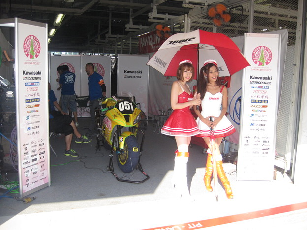写真: 2014 鈴鹿8耐 KAWASAKI ZX_10R 東村伊佐三 高橋英倫 井上哲悟 加納典明 桜プロジェクト 7 12