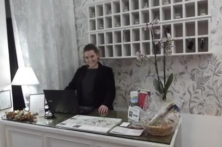グッビオ・ホテル0121